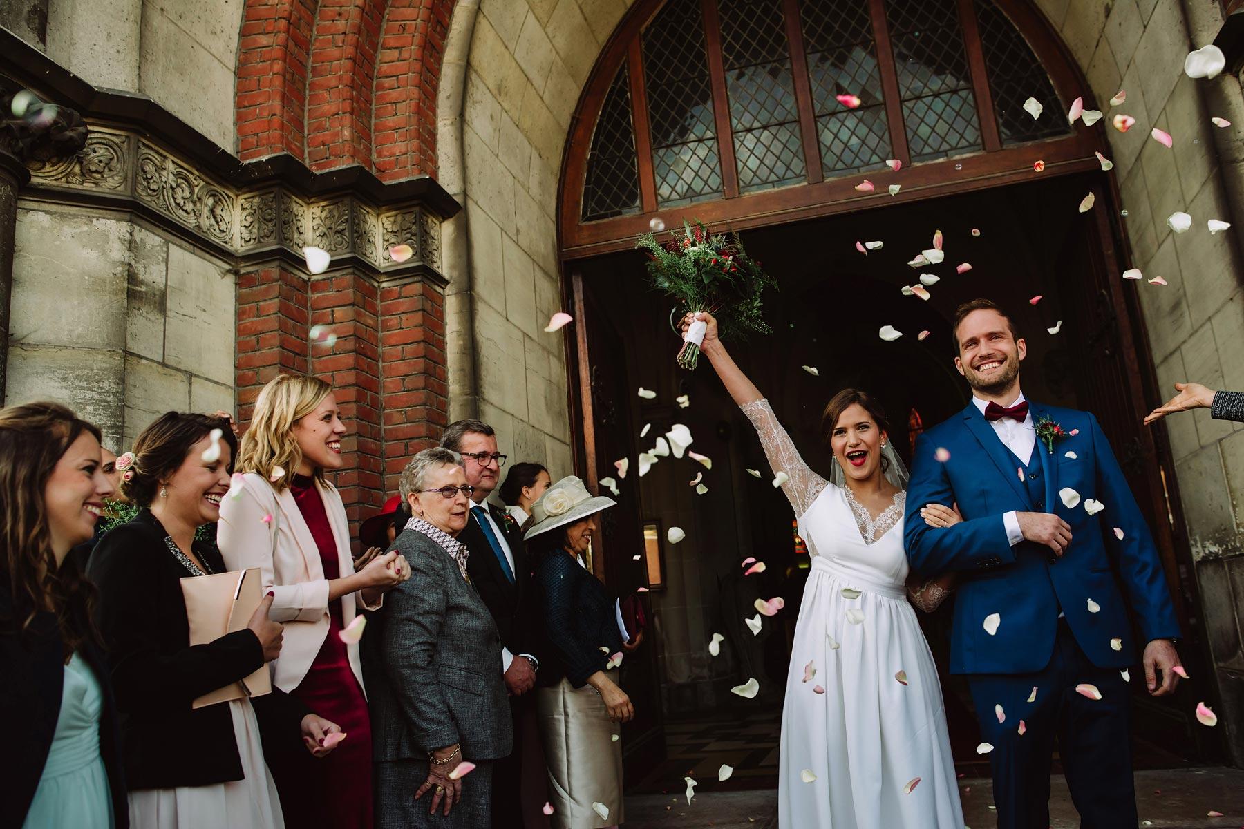 eglise-saint-martin-nieppe-wedding-28