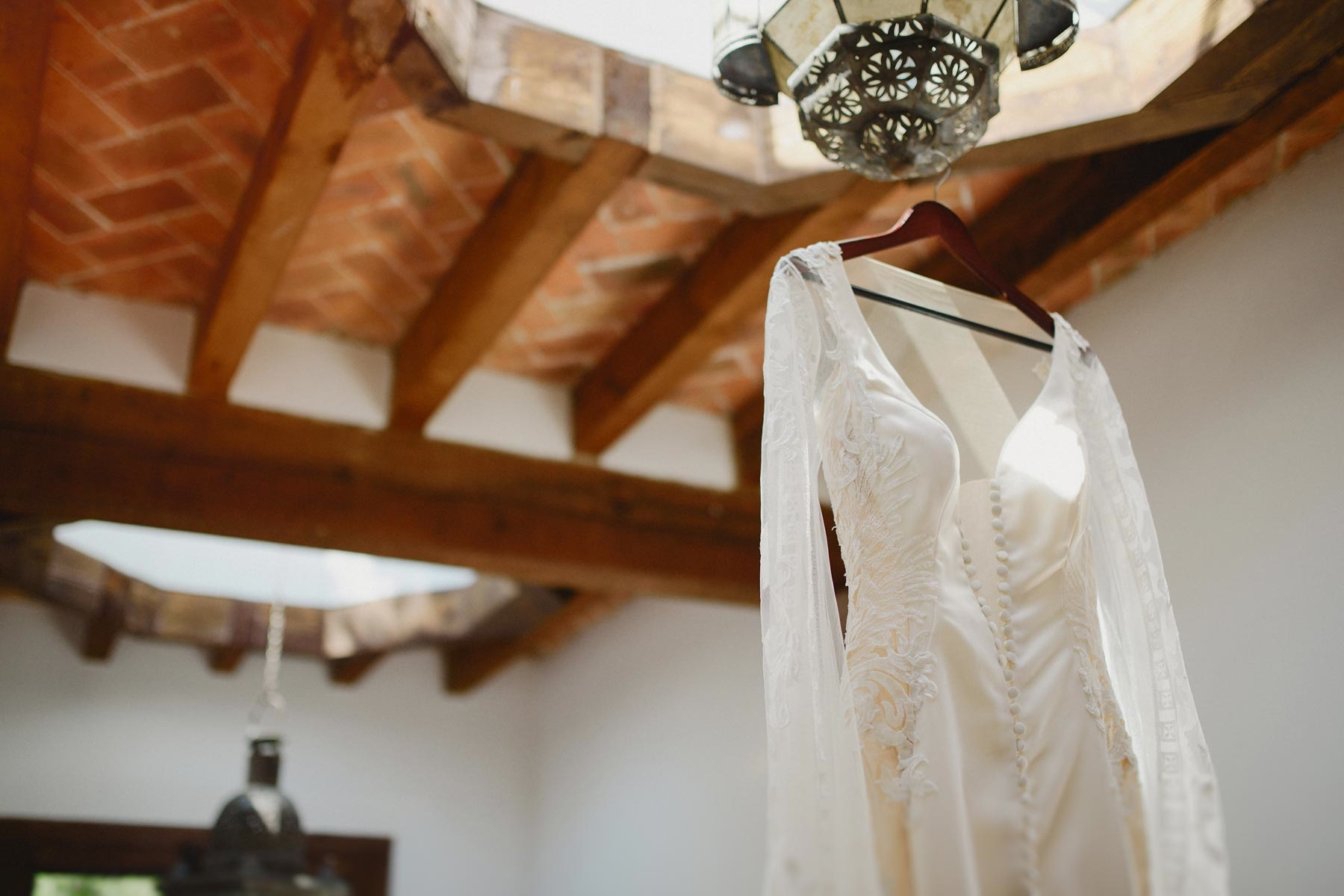 wedding dress in san miguel de allende
