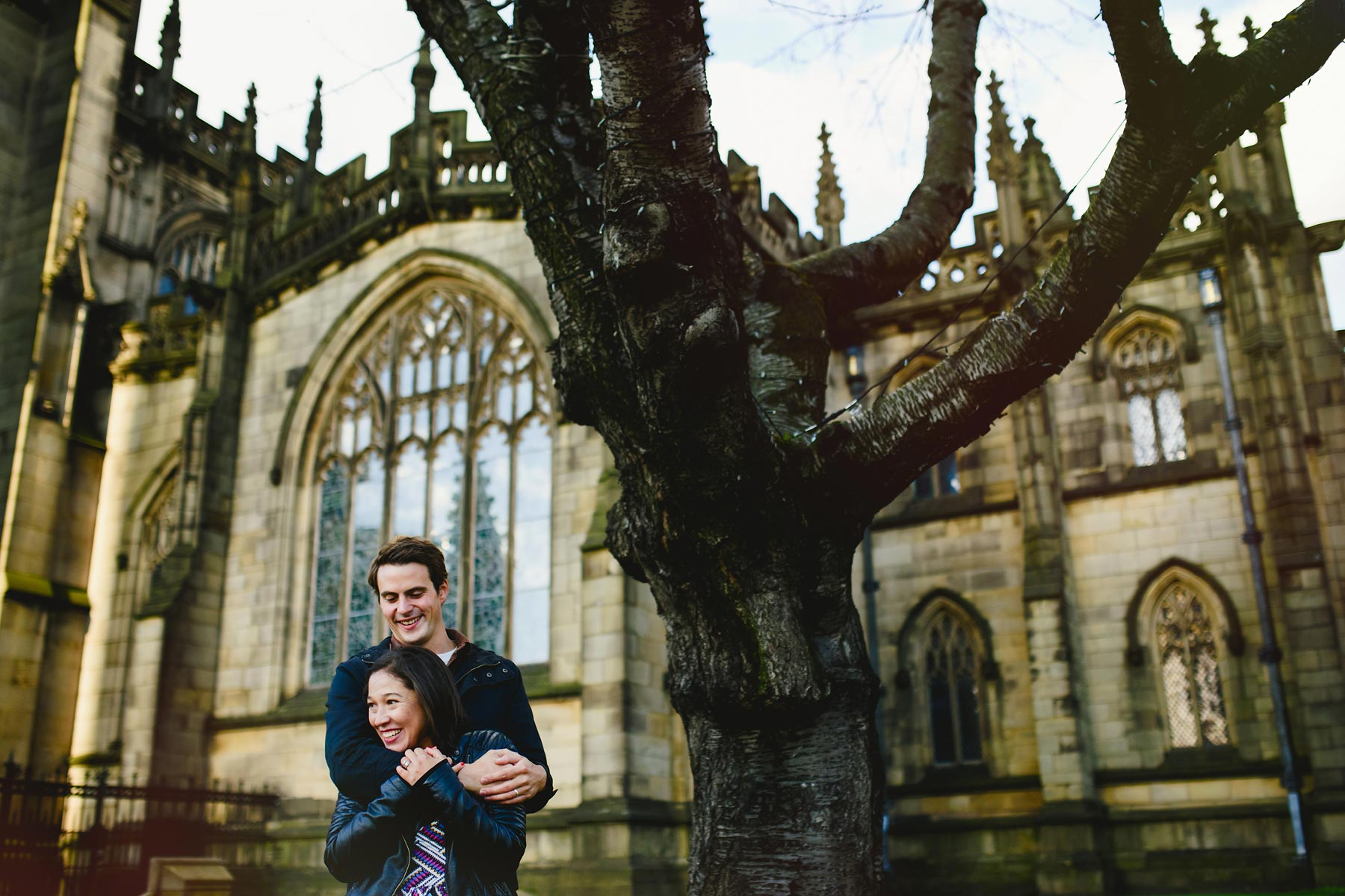 couple manchester cathedral wedding photography