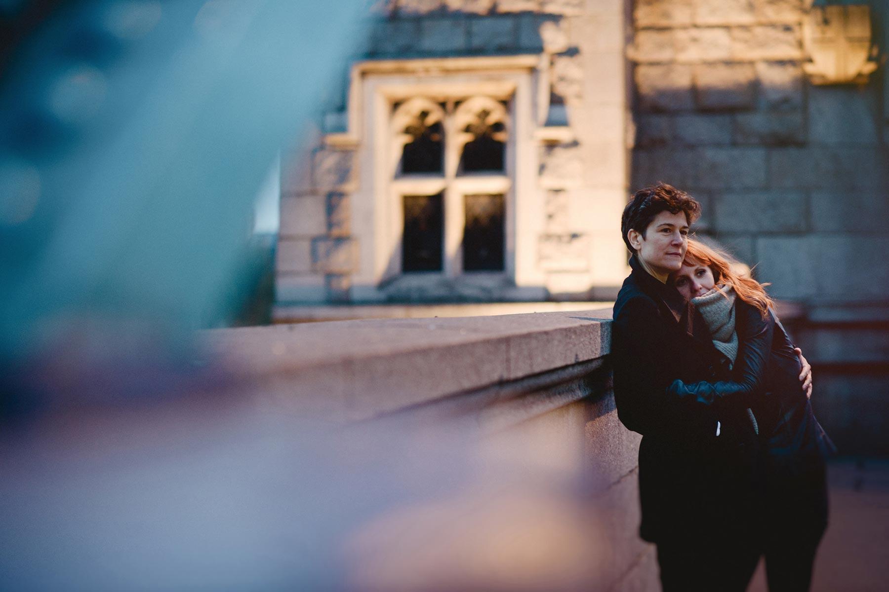 couple in london bridge