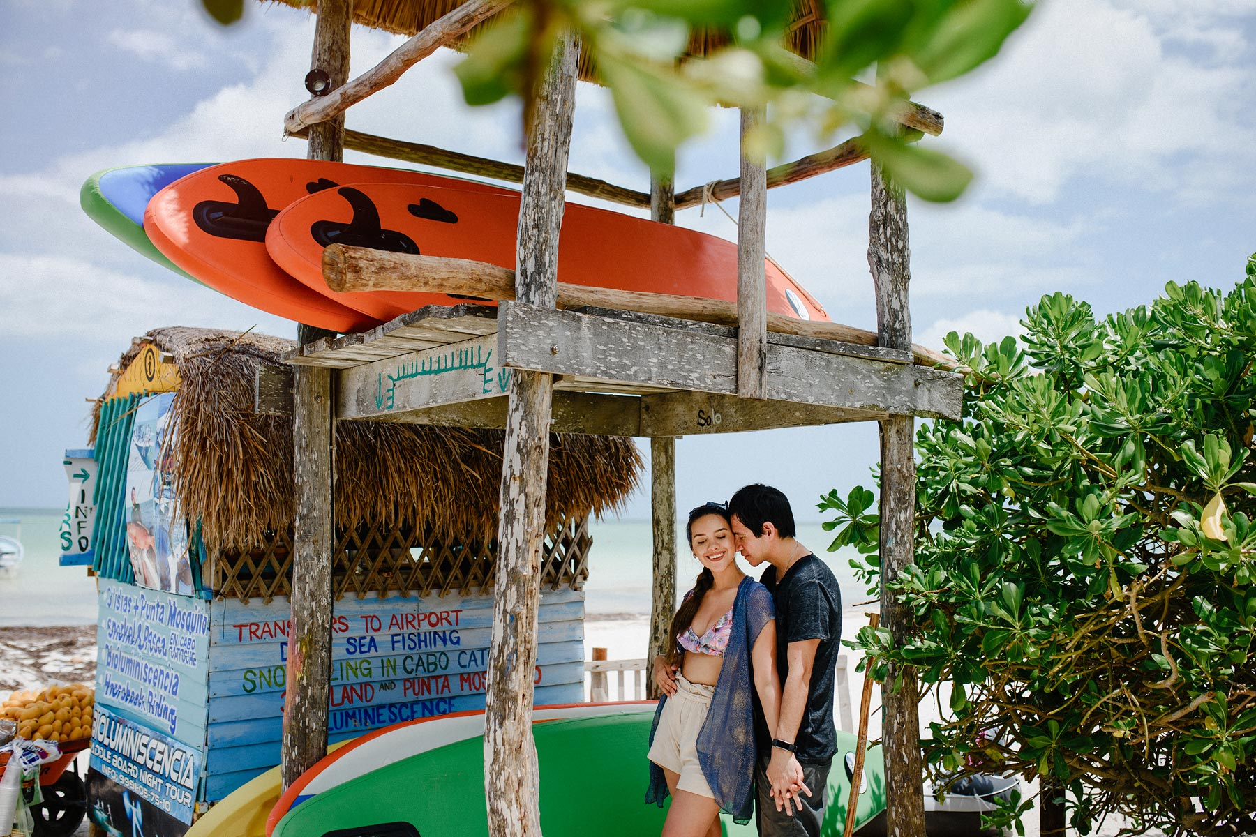 holbox island couple