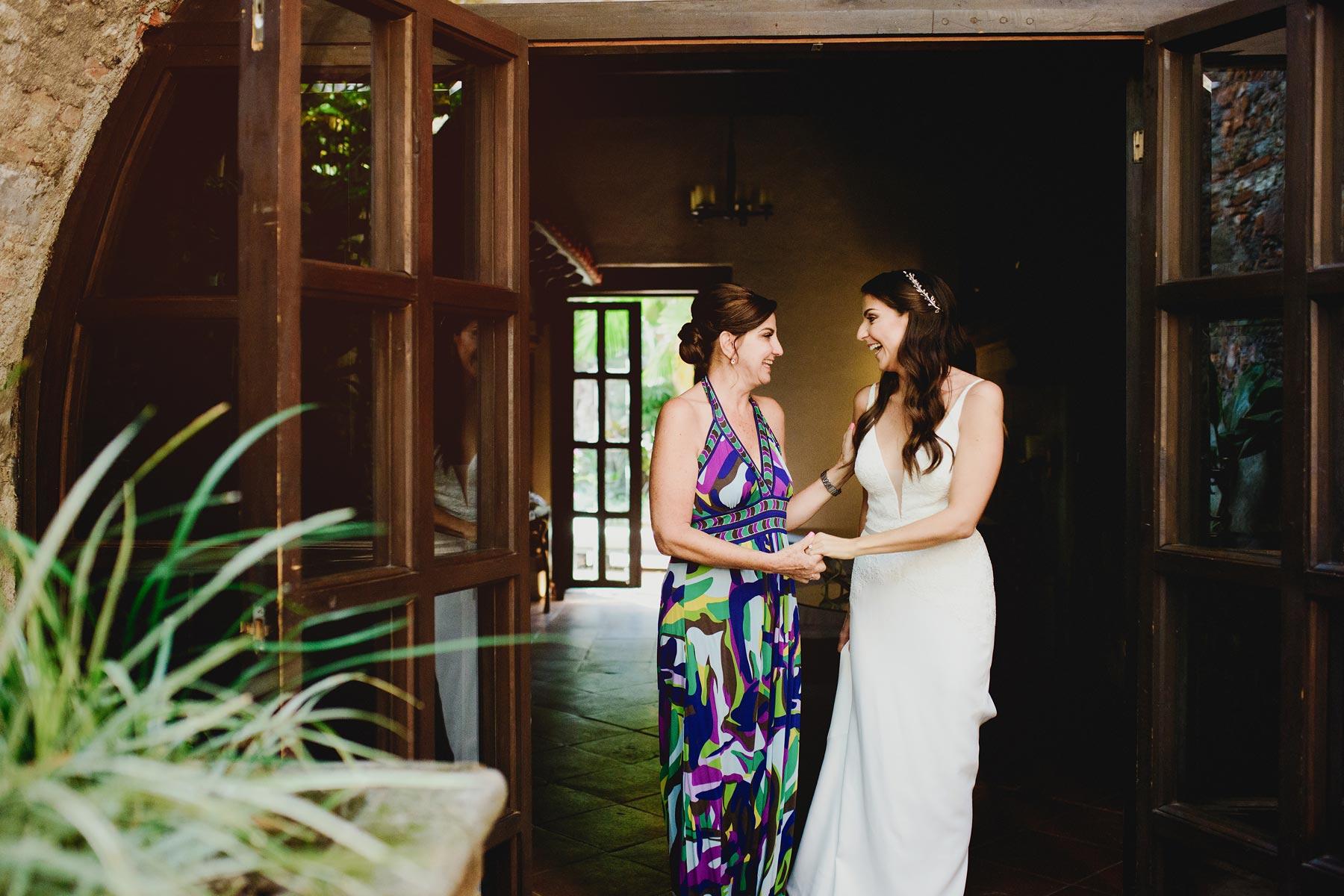 mom and bride boda hacienda vista hermosa